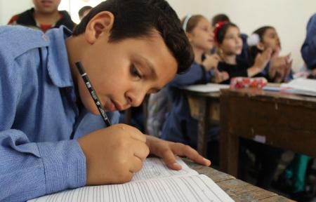 التربية تنوي تغيير مناهج طلاب الابتدائي ونقل تجارب سنغافورة وفنلدا والمانيا لمباحث العربي والانجليزي جفرا نيوز