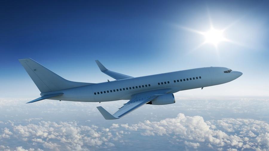 الإياتا يدعو الحكومات لمنح العاملين بالطيران أولوية تلقي لقاح كورونا