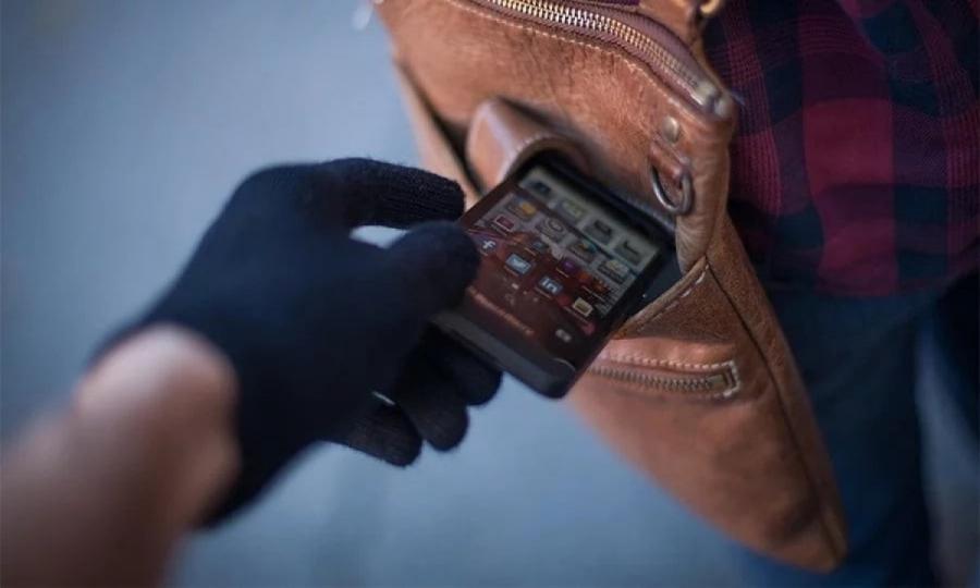 القبض على  عصابة تسرق الهواتف المحمولة بالخطف في مصر