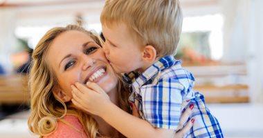 كيف أسيطر على هدوء طفلي دون اعطاؤه الجوال