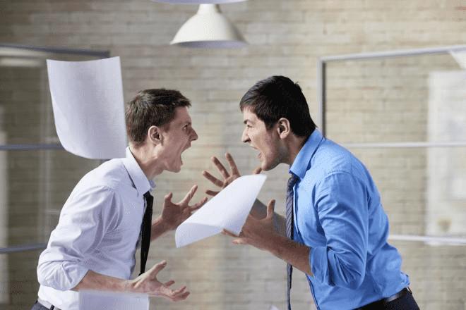 نصائح للتفكير الإيجابي في انتقادات العمل