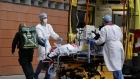 مأساة كورونا في بريطانيا.. المستشفيات مناطق حرب