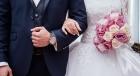 ذهبت لتحضر حفل زفاف فوجدت العريس زوجها .. ماذا فعلت
