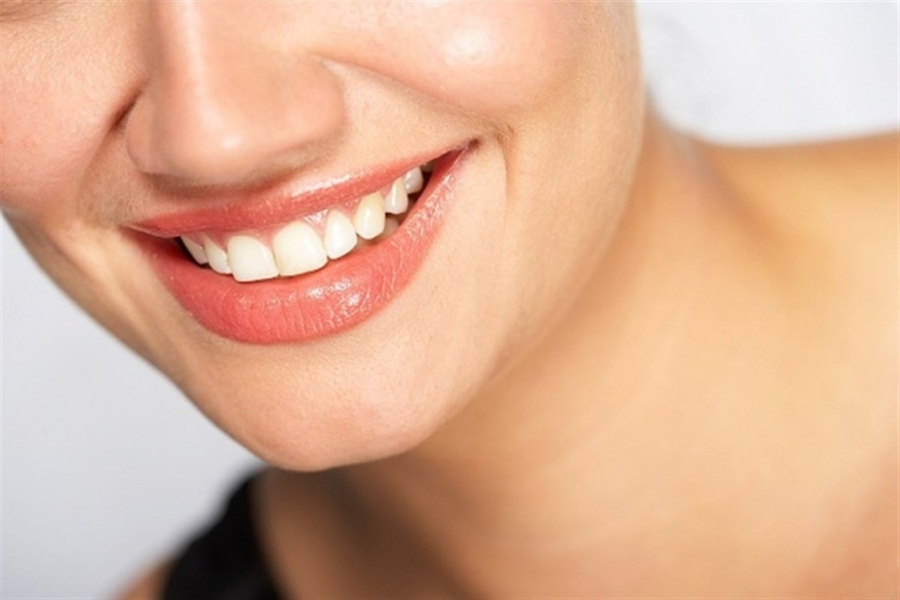 وصفة الليمون للتخلص من تجاعيد حول الفم