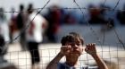 وفاة طفل في حريق بمخيّم للاجئين في اليونان